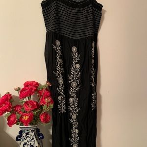 Old navy embroidered black maxi dress, 2X